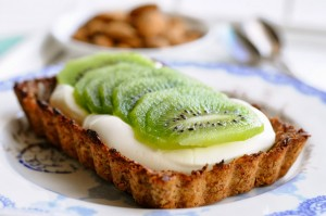 Breakfast Pie With kiwi| Healthy Breakfast Recipes | www.karlasnordickitchen.com