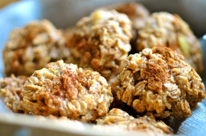 Healthy Apple and Peanut Butter Clusters