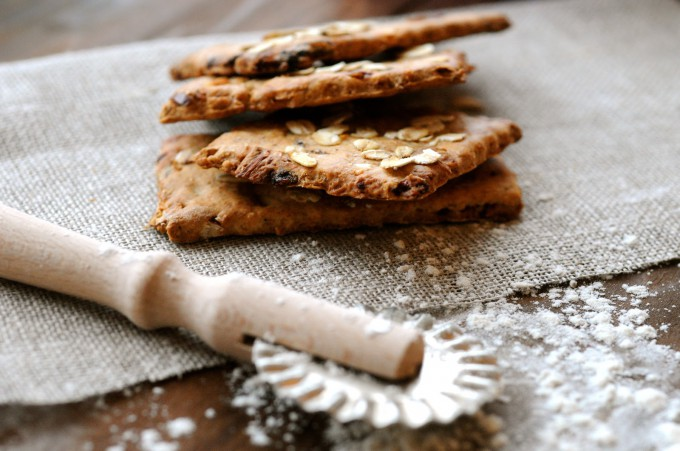 Spelt Crackers with Dates and Almonds