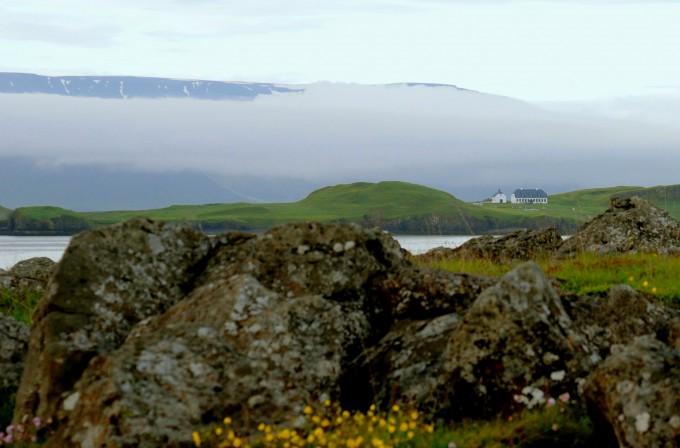 Reykjavik valley| Nature photography | www.karlasnordickitchen.com