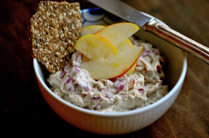 Mackerel Salad with Apple & Red Onion | www.karlasnordickitchen.com