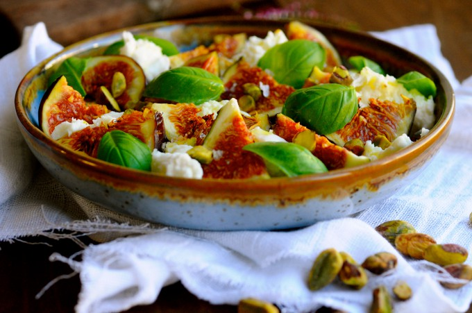 Mozzarella with figues