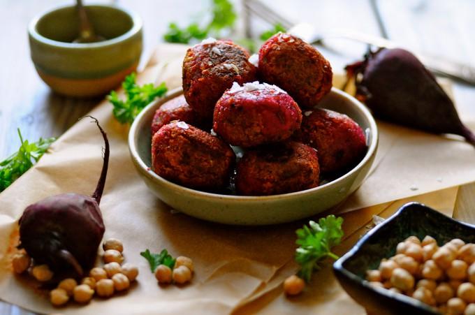 Beetroot falafels | www.karlasnordickitchen.com
