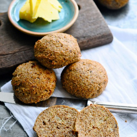 Low Carb Bread Rolls with Apple & Cinnamon