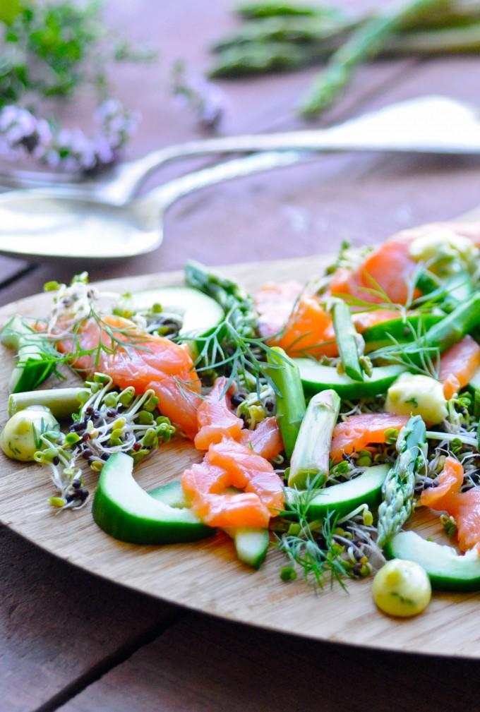 Salmon salad with dill mayo | www.karlasnordickitchen.com