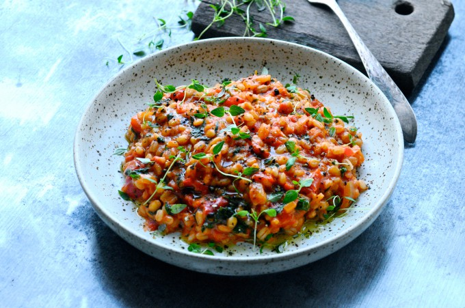 Pearl barley risotto with tomato