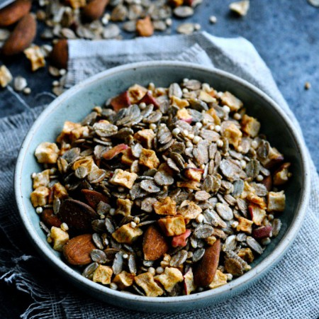 Muesli with Rye Flakes and Christmas Spices