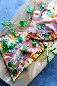 Pizza with Cauliflower Crust | www.karlasnordickitchen.com