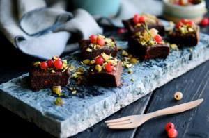 Healthy Chocolate Cake Recipe| www.karlasnordickitchen.com