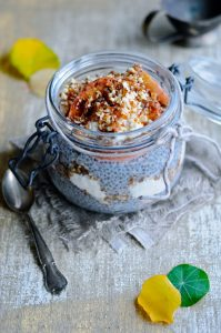 Apple trifle with chia and yoghurt
