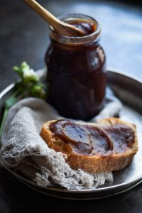 Slow cooker apple butter recipe with christmas flavors