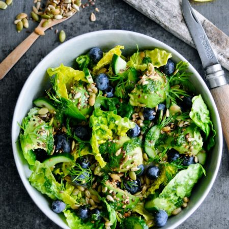 Recipe for Green Salad with Blueberries, Kamut Berries and Dill Oil