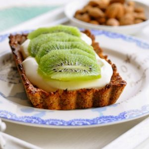 Healthy Breakfast Recipes - Pie with Yogurt & Kiwi