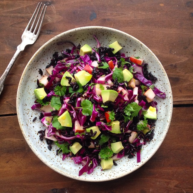 Red cabbage salad with apples, avocado, coriander and black rice. A nice twist on a Danish classic.