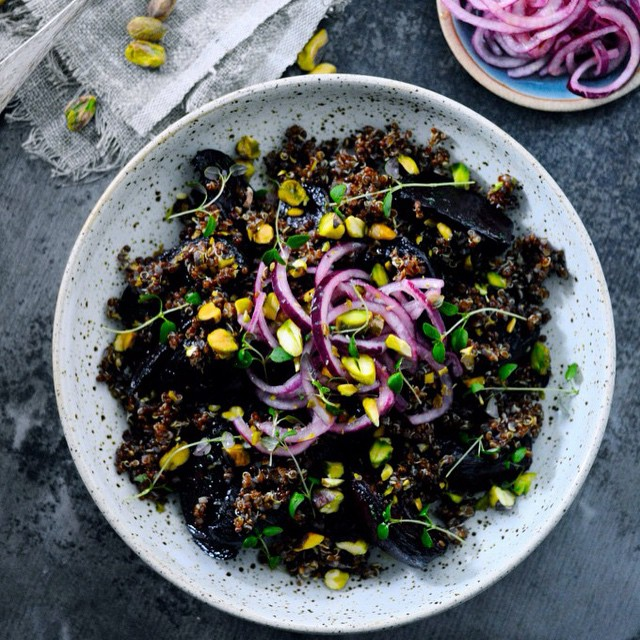 Roasted beets with red quinoa, thyme, pistachios and pickled red onions. Love the combination of these flavors! #juliekarladk #salad #quinoa #beets #pickledonions #redonions #pistachios #thyme #lemon #healthydinner #healthysalads #healthyeating #healthyliving